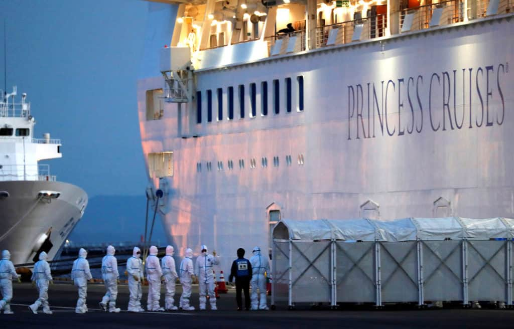 The TravelCenter - Booking 24 hours a day - New coronavirus cases surge as 3,700 remain quarantined on ship in Japan