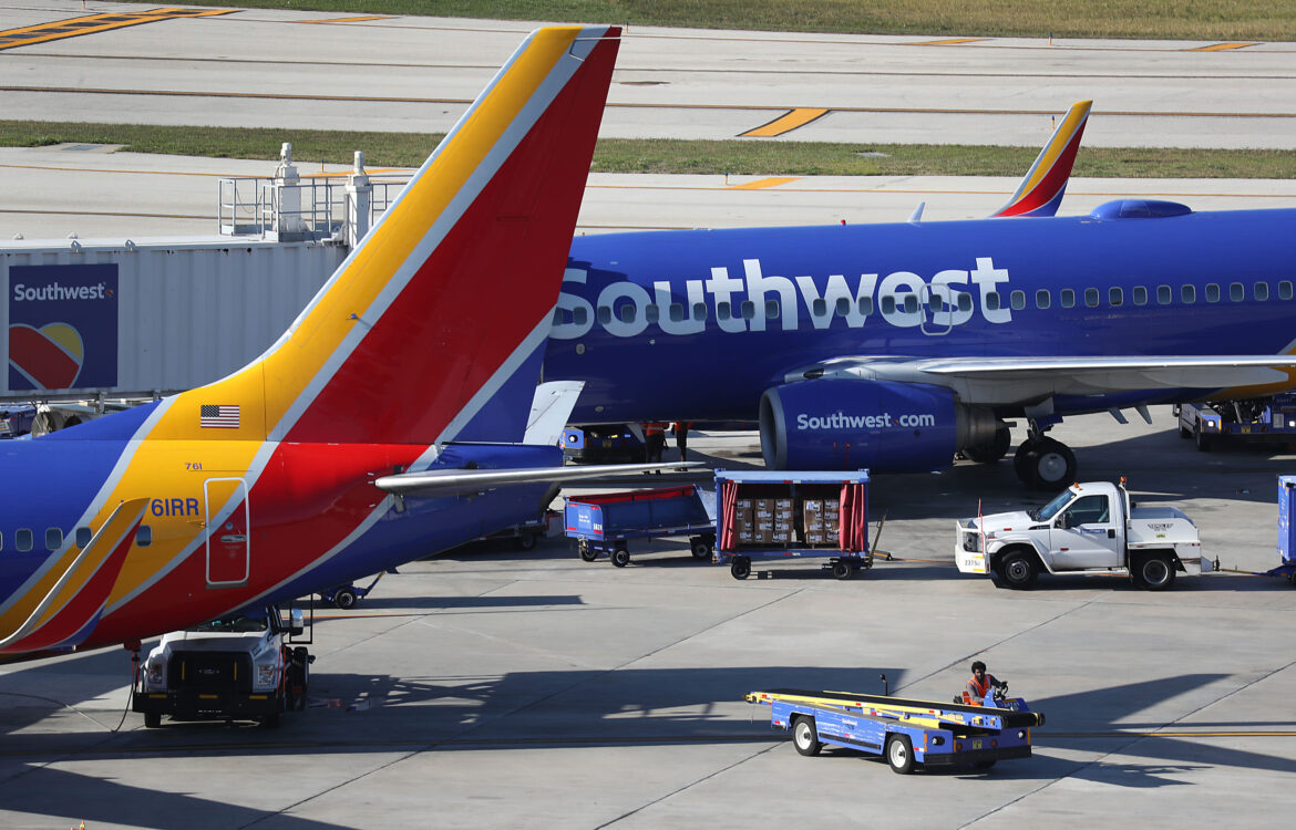 The TravelCenter - Booking 24 hours a day - Southwest Airlines (LUV) posts second quarter loss