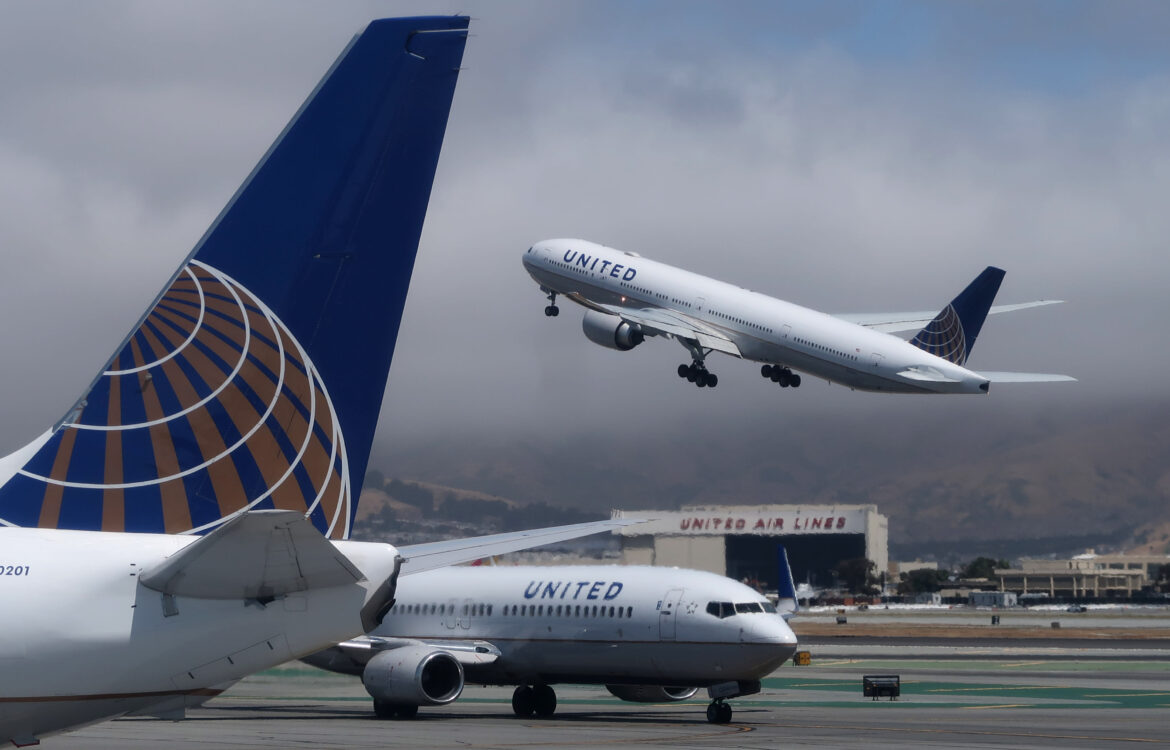 The TravelCenter - Booking 24 hours a day - United Airlines boosts Thanksgiving schedule:...