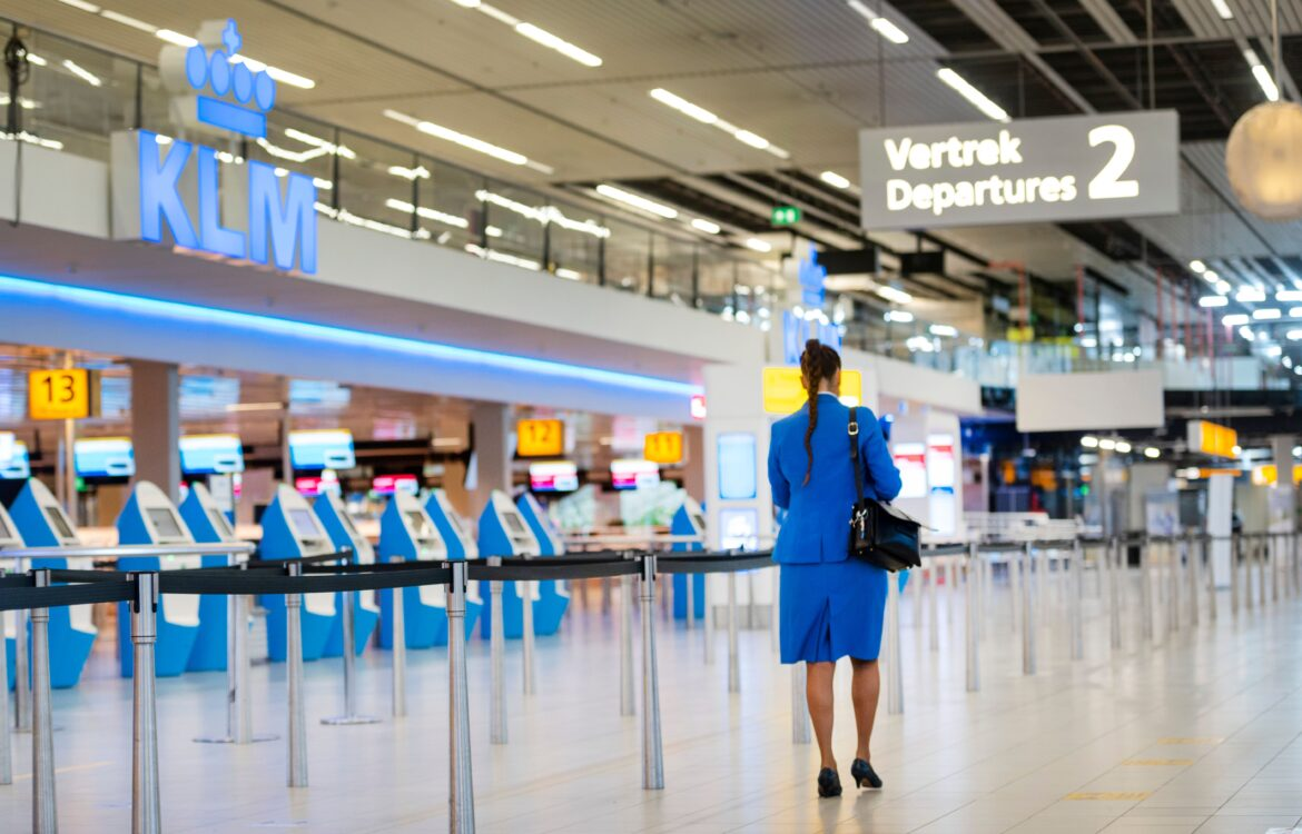The TravelCenter - Booking 24 hours a day - Lufthansa, easyjet, airlines sell off as EU steps...