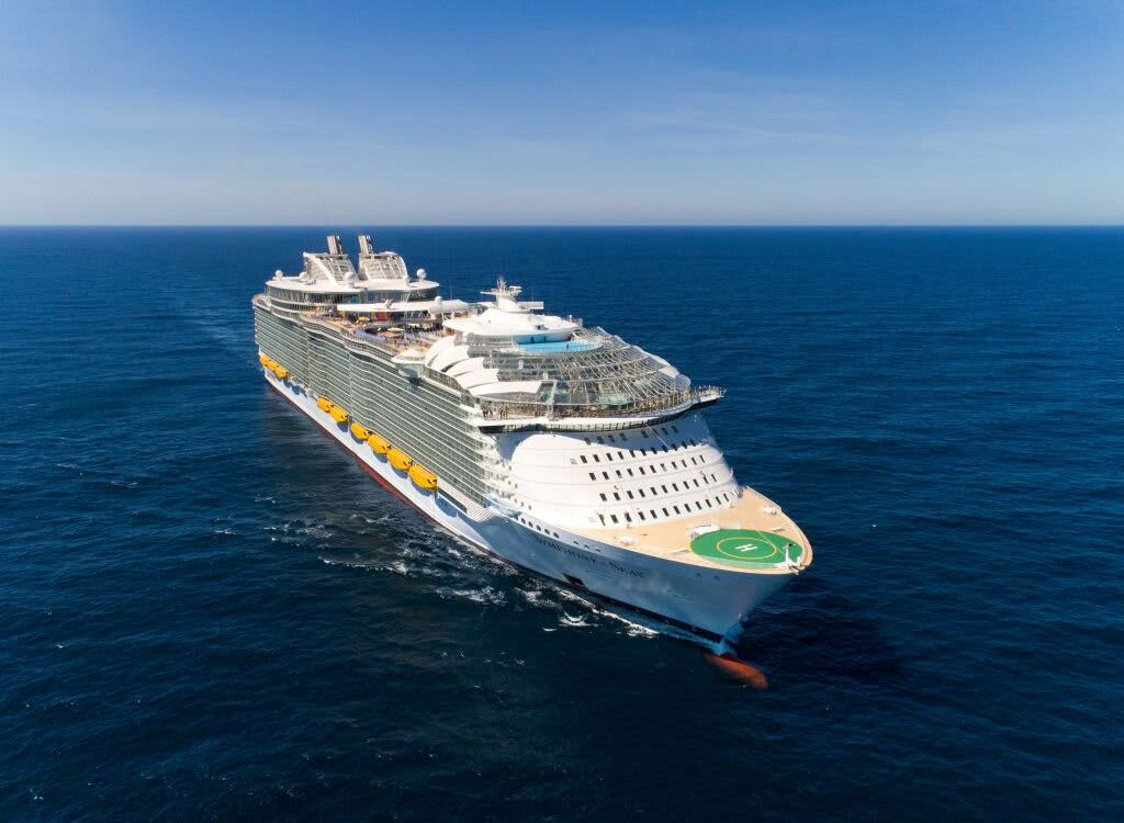The TravelCenter - Booking 24 hours a day - Florida to sue CDC to allow cruises to resume U.S....